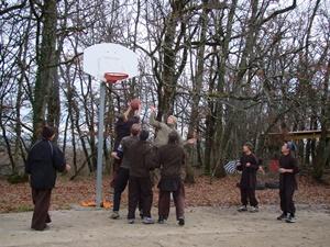 Main bola basket